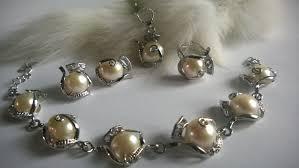Комплект колие, обеци и гривна от естествени перли от остров Майорка-бижута