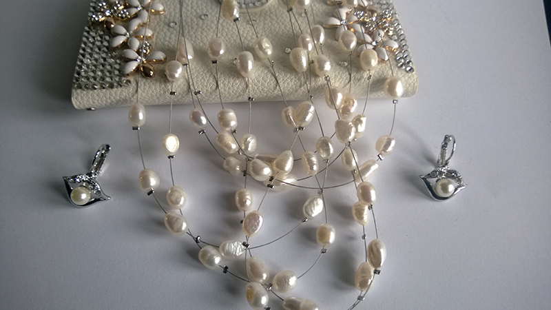 Колие и обеци от естествени перли, Сваровски елементи и стомана,  ото-в Майорка