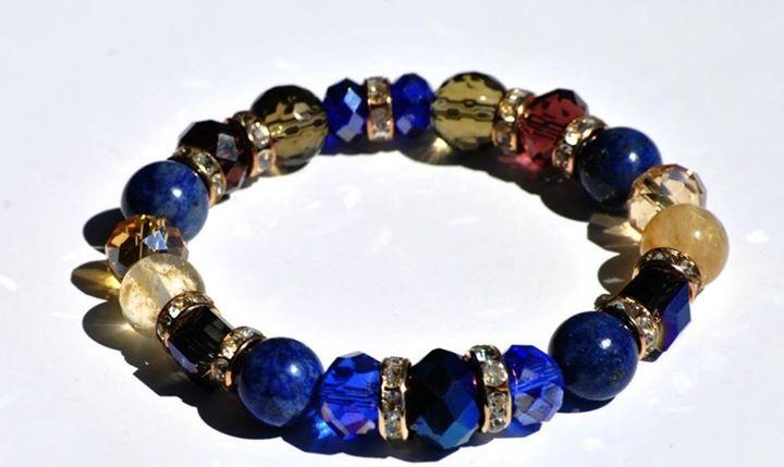 Гривни от естествени камъни-кристали Сваровски елементи и ахат