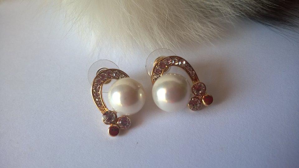 Обеци от перли.Обеци от естествени перли и стомана