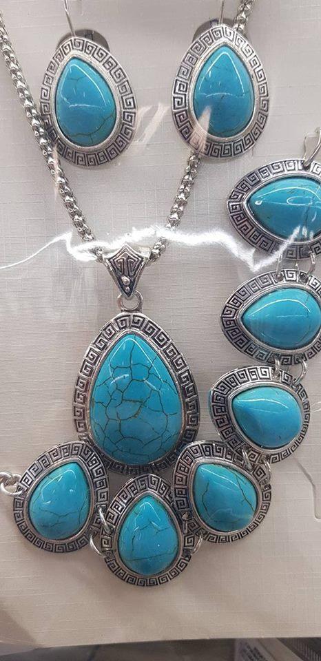 Колие,обеци и гривна от естествени камъни -тюркоаз