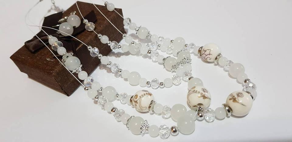 Колие и обеци от естествени камъни с гаранция и сертификат.Планински кристал