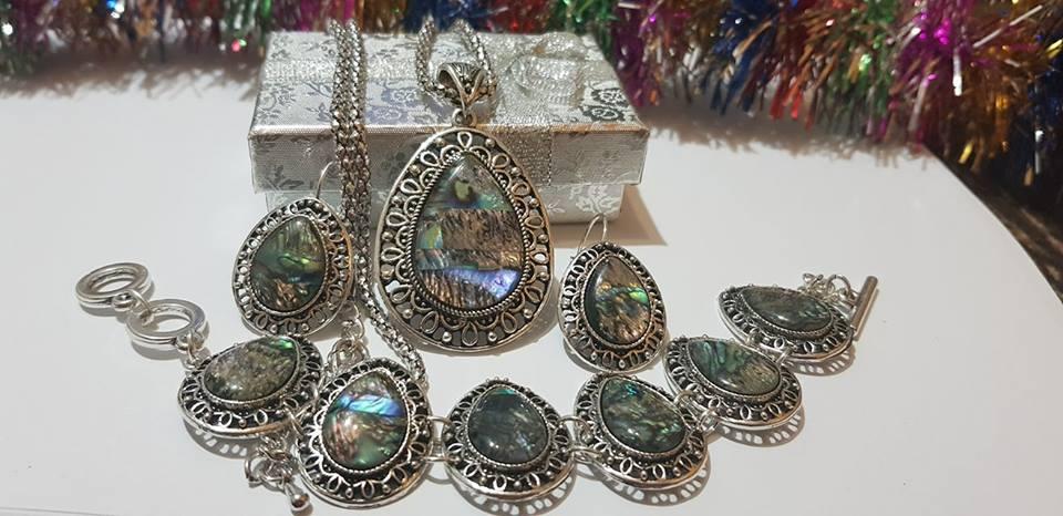 Комплект от естествени камъни цветен седеф