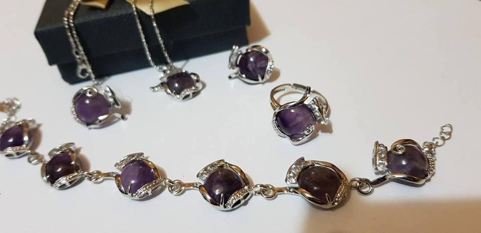 Комплект от естествени камъни за здраве любов и пари цветен аметист