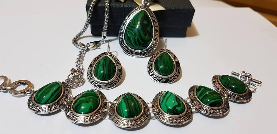 Комплект от естествени камъни за здраве любов и пари мелахит