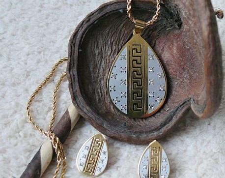 Бижута-колета и обеци от Сваровски елементи