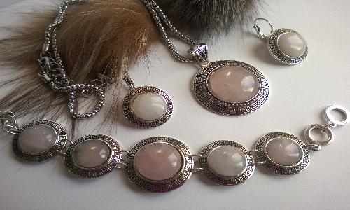 Комплект от естествени камъни розов кварц