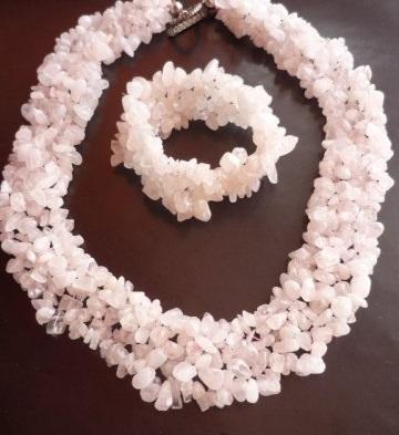 Колие,обеци и гривна  розов кварц