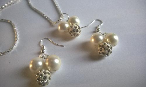 Колие и обеци от естествени перли със Сваровски елементи и бяло златно покритие от- о-в Майорка