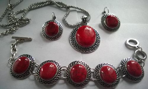 Колие обеци и гривна от естесвени камъни-ЧЕРВЕН КОРАЛ