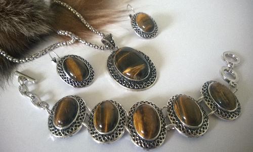 Колие обеци и гривна от естесвени камъни-ТИГРОВО ОКО