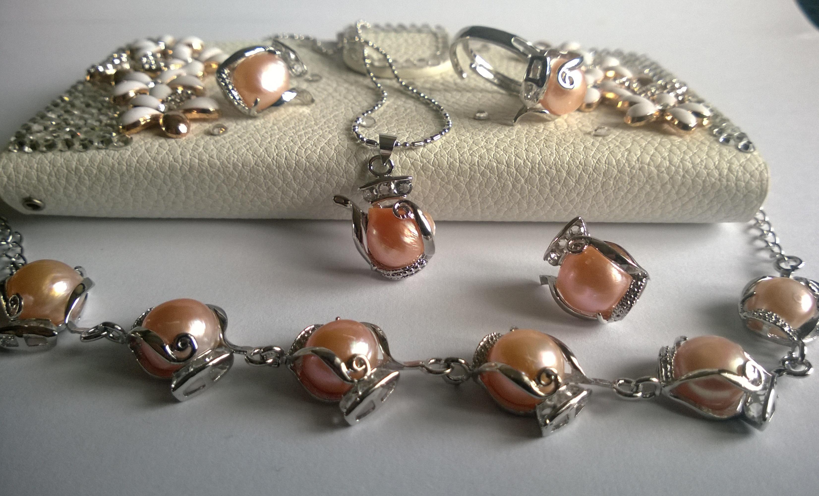 КОМПЛЕКТ КОЛИЕ и обеци от естествени кафяви перли код Х332