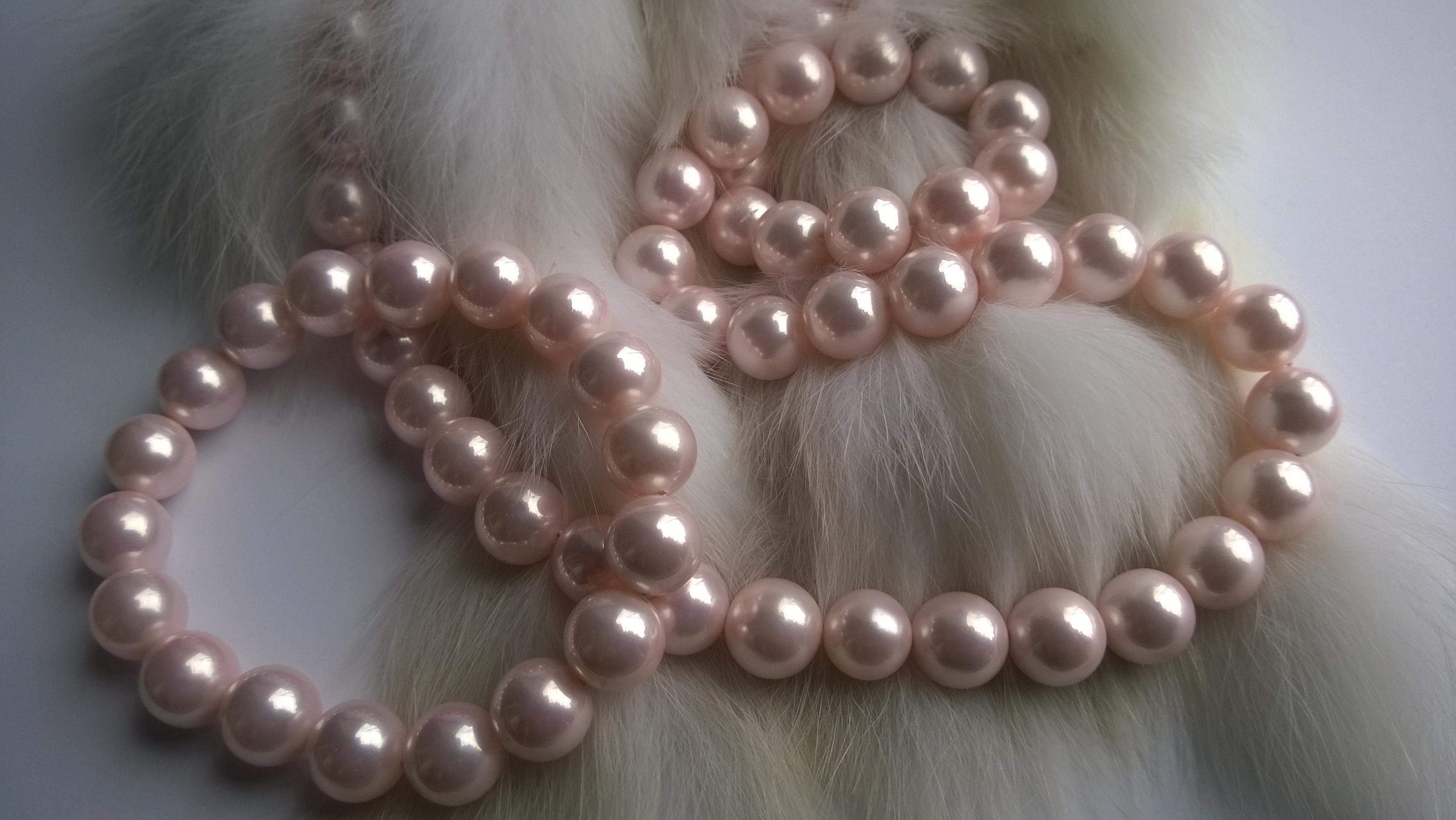 Уникат-ръчна изработка -Огърлица и гривна от седефени естествени перли код В67
