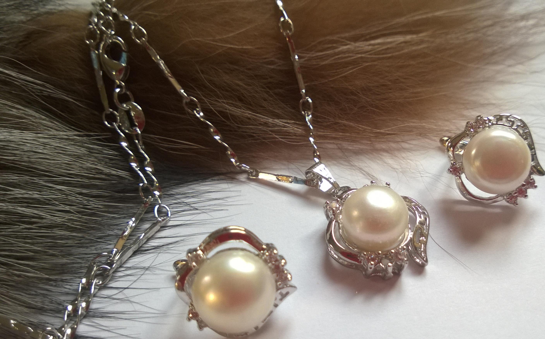 Колие и обеци от естествени перли от о-в МАЙОРКА