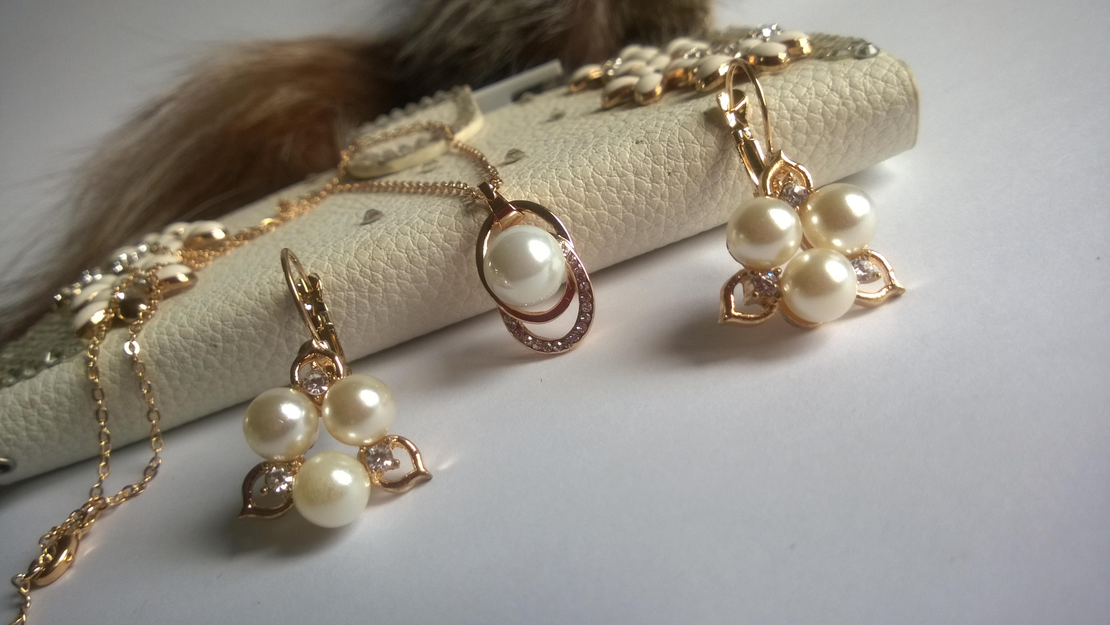 Колие и обеци от естествени перли -бижута 5