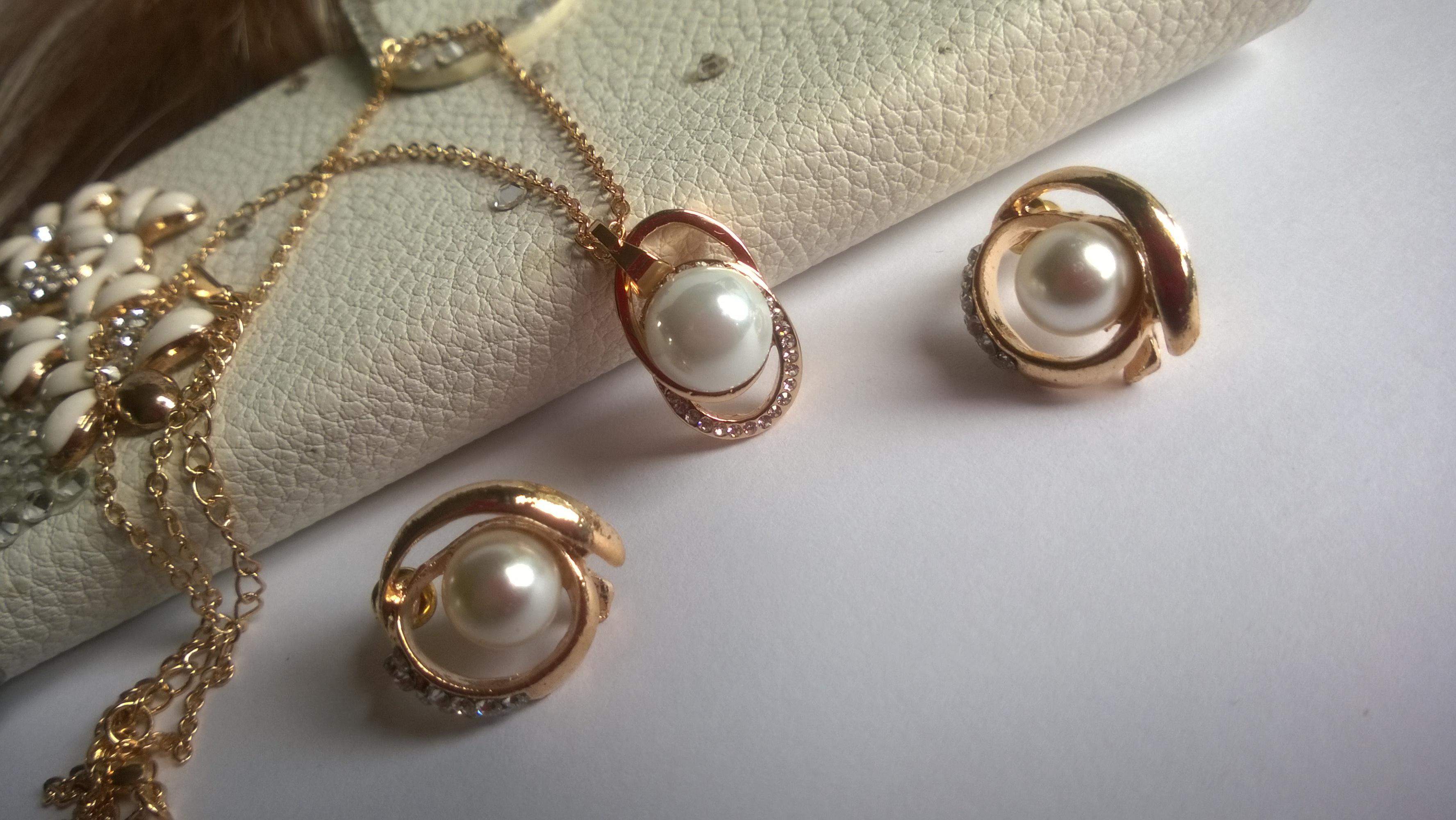 Колие и обеци от естествени перли -бижута 4