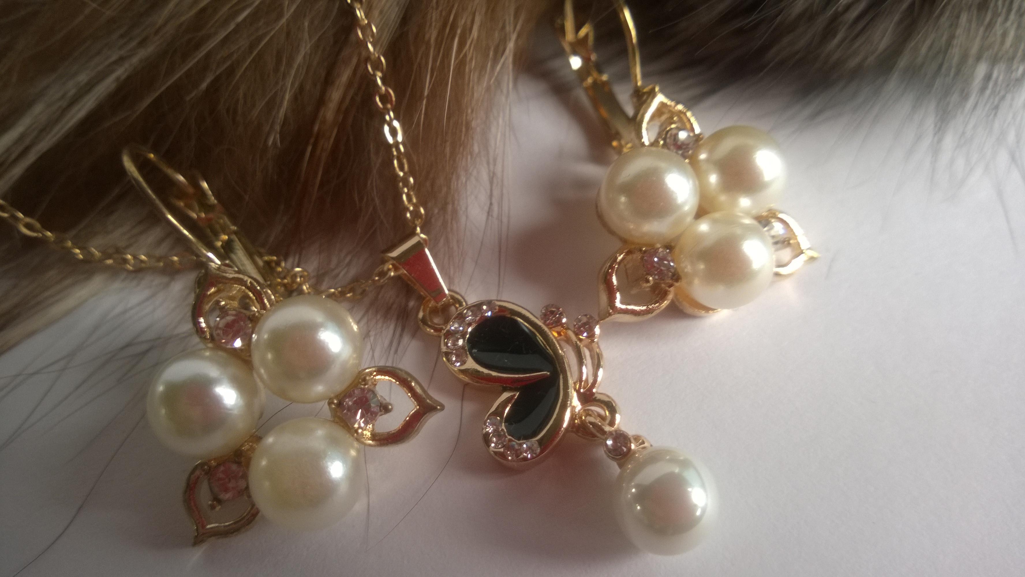 Колие и обеци от естествени перли -бижута 6