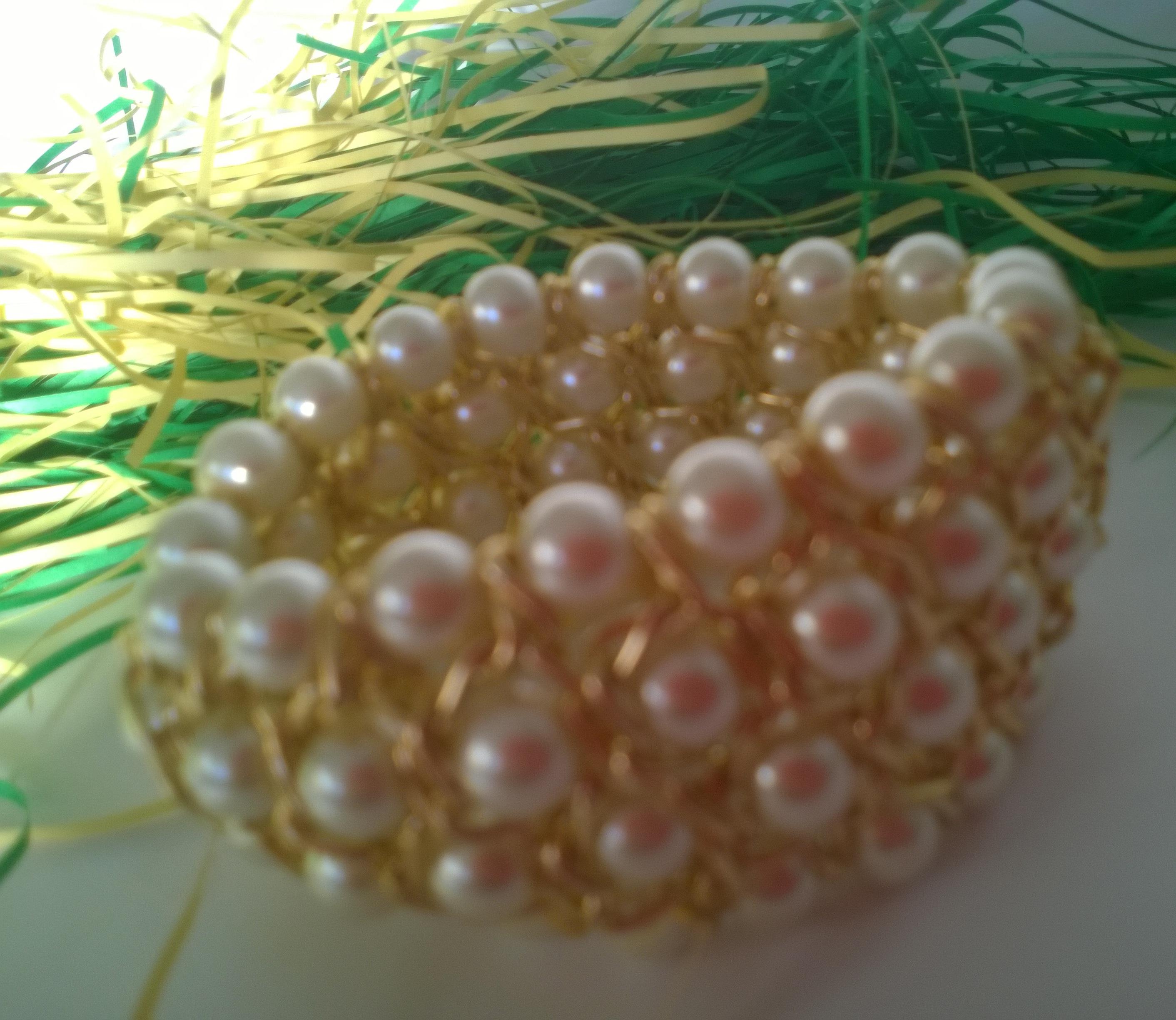 Гривна от естествени перли и Сваровски елементи-бижута