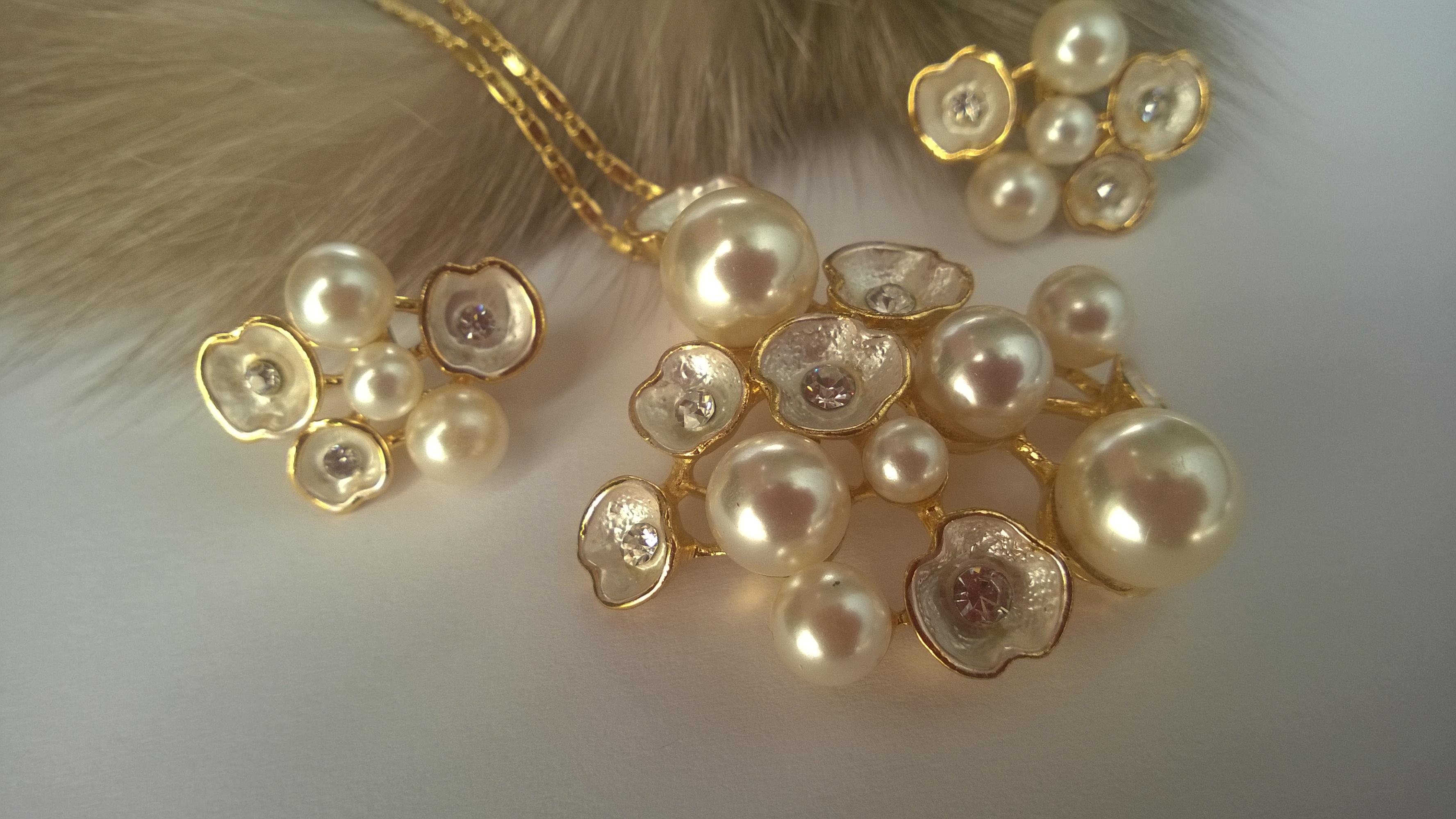 Колие и обеци от естествени перли от о-в Майрка