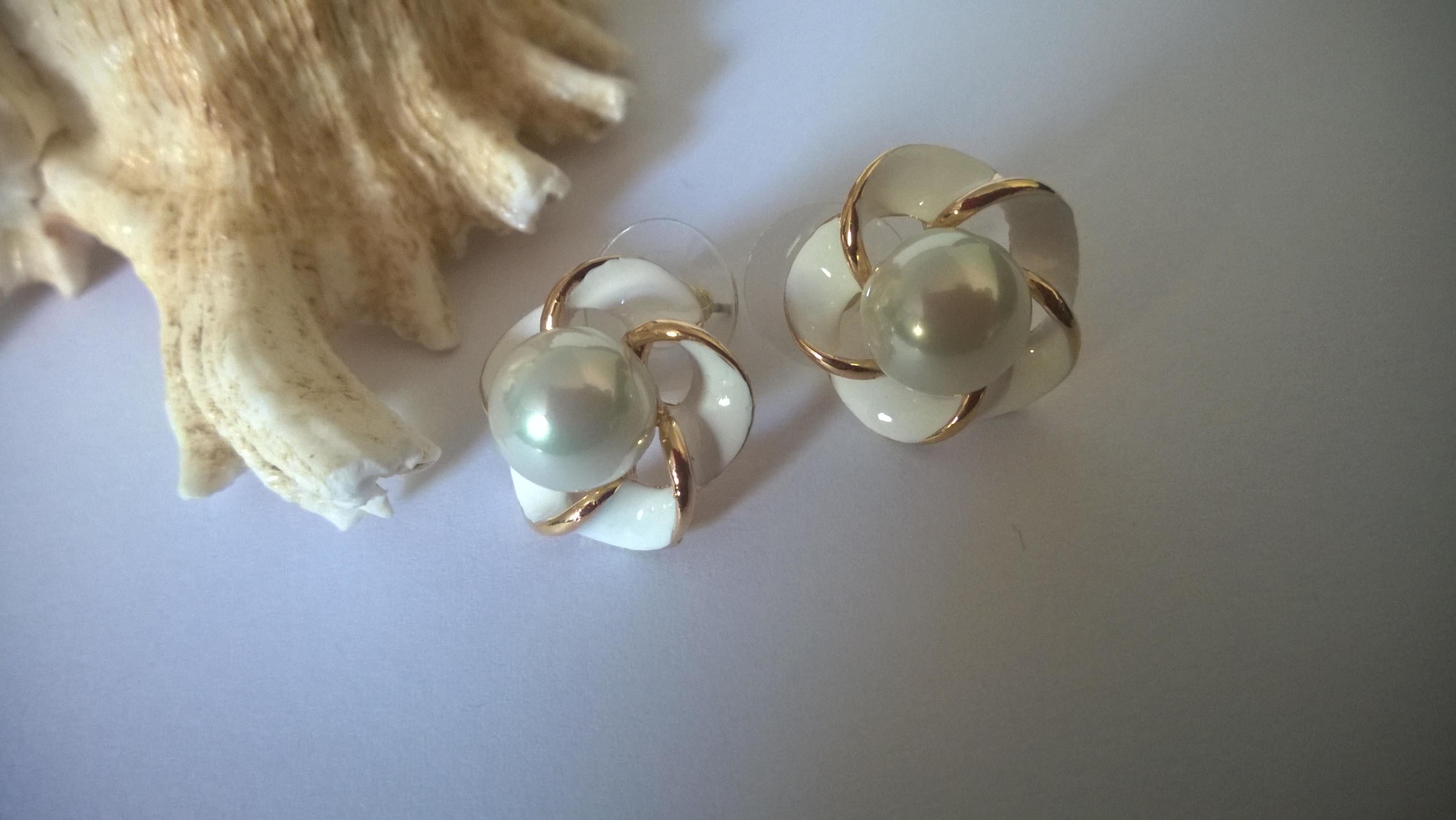 Обеци от перли.Обеци от естествени морски перли от о-в Майоркаи гаранционна карта
