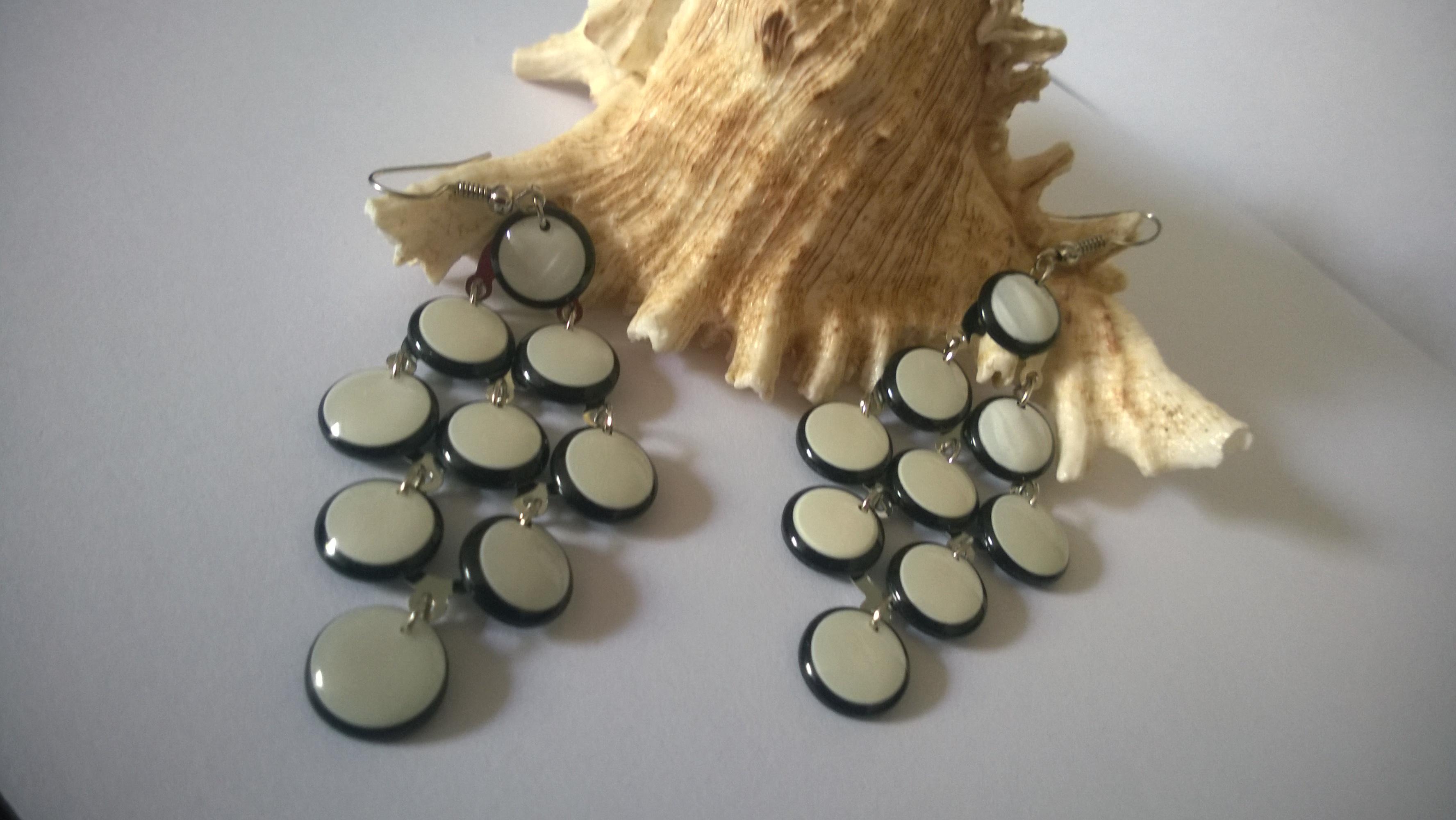 Обеци от естествени камъни-бял седеф