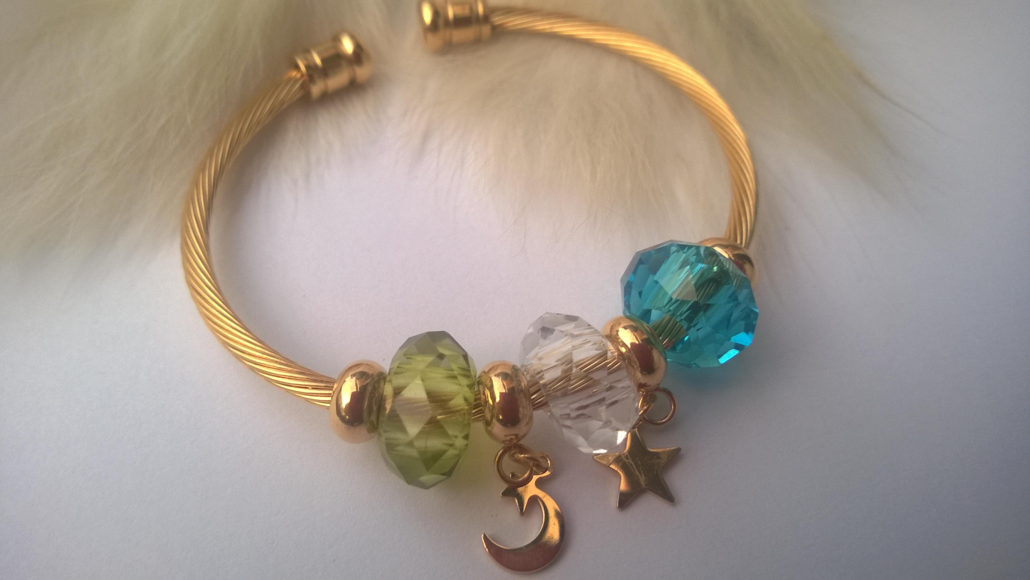 Дамска гривна от стомана и Сваровски кристали