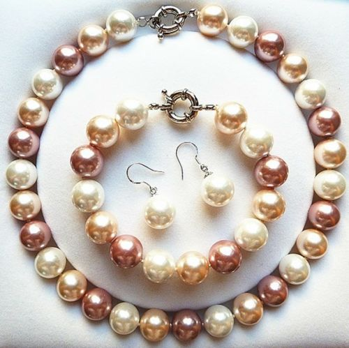 Комплект огърлица, гривна и обеци от естествени перли от о-в Майорка