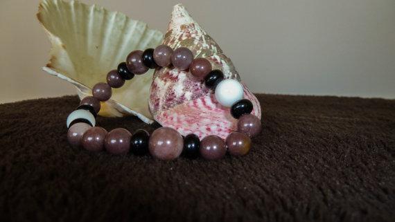 Гривна от АХАТ-полускъпоценни камъни.Гривни от естествени камъни.