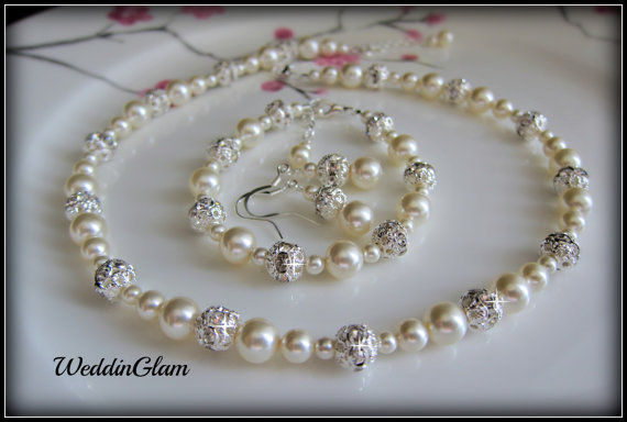 Бижута.Комплект от естествени перли с гаранция
