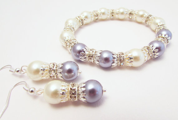 Огърлица(колие)гривна и обеци от морски естетсвени перли