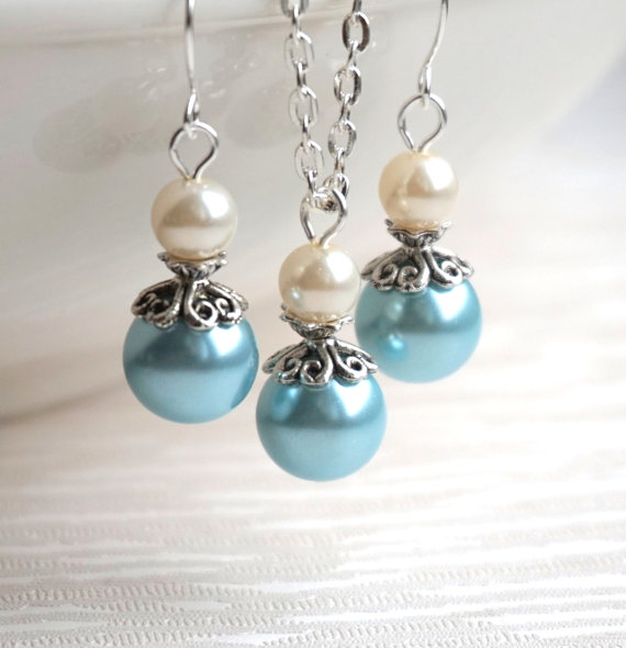 Колиета,обеци и гривни от перли