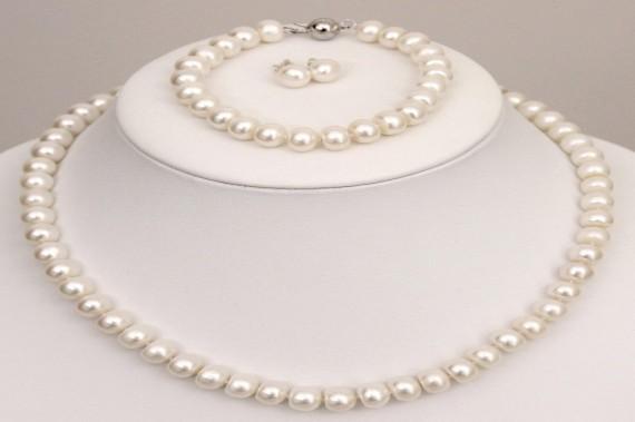 Бижута от перли.Класически бижута за жени.Модни бижута