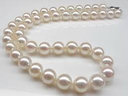 Бижута от перли със седеф
