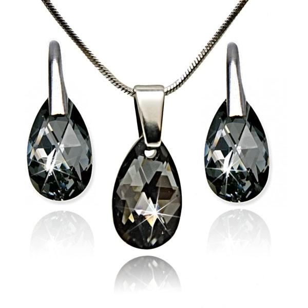 Комплект колие и обеци от Сваровски елементи -уникален кристал и изработка