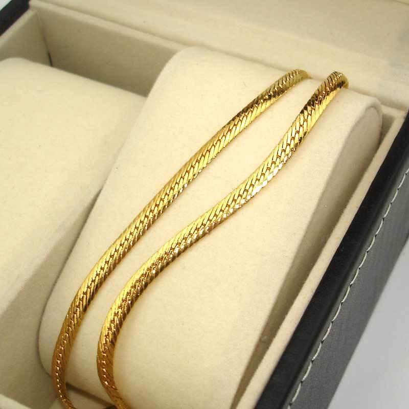 Ланец от стомана.Размер на ланеца 4мм/57смимам и от 60см/39гр. Уникална имитация на истинско злато.